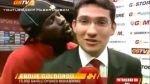 VIDEO: jugador del Galatasaray intentó besar en la oreja a un periodista - Noticias de emmanuel eboue