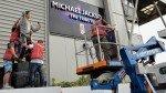 Fulham se deshace de estatua de Michael Jackson de su estadio - Noticias de shad khan