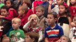 Niña utiliza lenguaje de señas para cantarle a sus padres sordomudos [VIDEO] - Noticias de claire koch