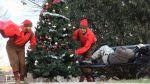 Bromistas obsequian regalos a indigentes en Navidad y son un hit en YouTube - Noticias de dennis roady