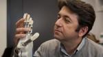 Científicos crean una mano artificial con sentido del tacto - Noticias de personas amputadas