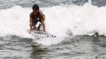 El surf practicado con tablas hechas de botellas recicladas - Noticias de botellas recicladas