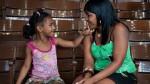 ¿Qué eliges: Tu trabajo o tu familia? - Noticias de banco azteca