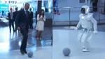 Obama jugó fútbol con el robot japonés más avanzado del mundo - Noticias de caroline kennedy