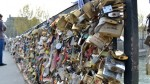 ¿Romance o epidemia? Puentes de París llenos de candados - Noticias de robin roberts