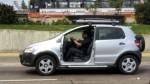 Este auto circula sin puerta por las calles de Lima - Noticias de crossfox