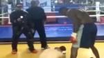 Boxeador olímpico le da paliza a luchador por insultos racistas - Noticias de deontay wilder